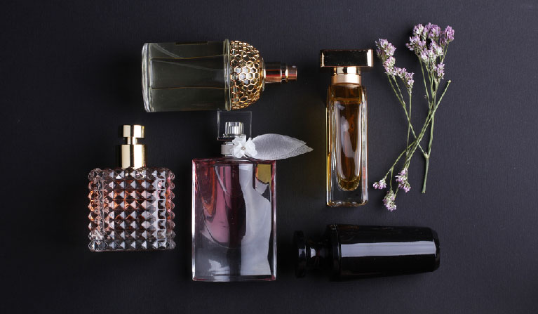 Pick the right perfume at Jizan Perfumes